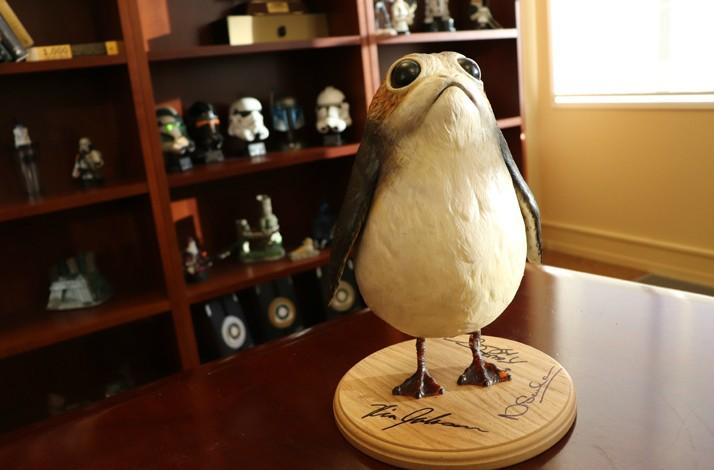 'Star Wars: The Last Jedi' Porg Maquette Signed by Director Rian Johnson & Producer Kathleen Kennedy (1)
