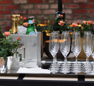 champagne-and-cocktail-reception-at-the-danko-residence