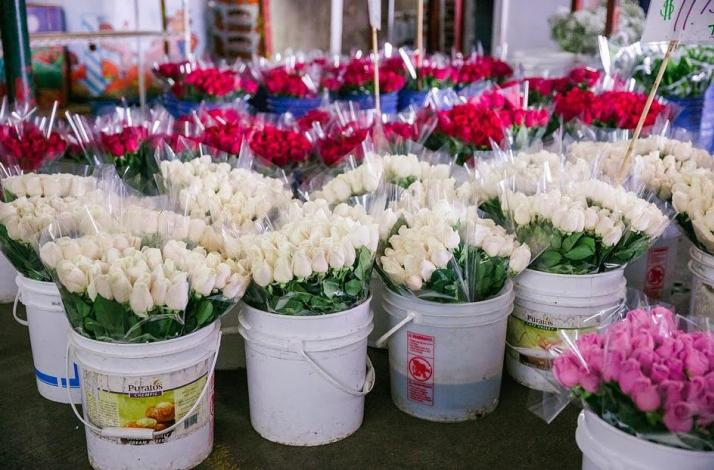 Early Morning LA Flower Market and Historical Tour: In Corona, California