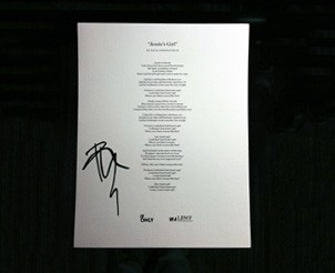 capture-80s-nostalgia-with-an-autographed-lyric-sheet-of-epic-pop-rock-song-jessie-s-girl-